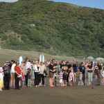 Beachgoers join ceremony 2008