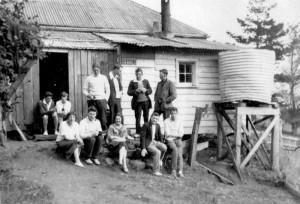 Auckland Tramping Club outside Mobbs house, 1931. JTD Diamond photo