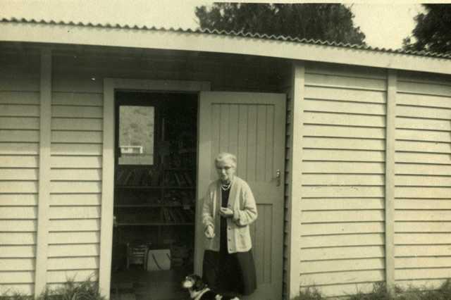 Christina or Tineke Erdman at Piha Library